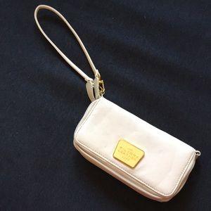 Wilsons Vintage Cream Leather Wristlet Wallet